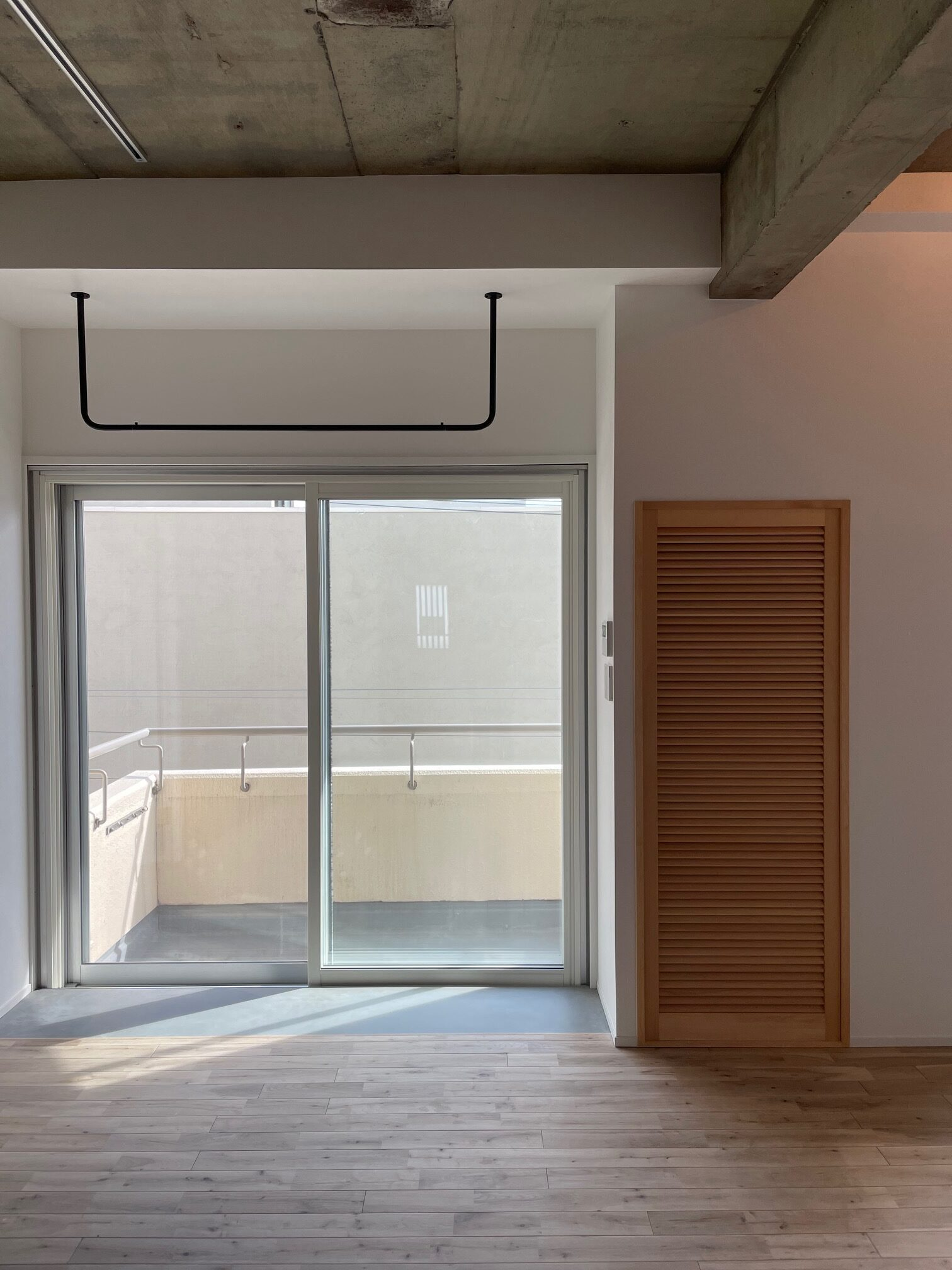 【this one】マンションのスケルトンリノベーション施工中の様子